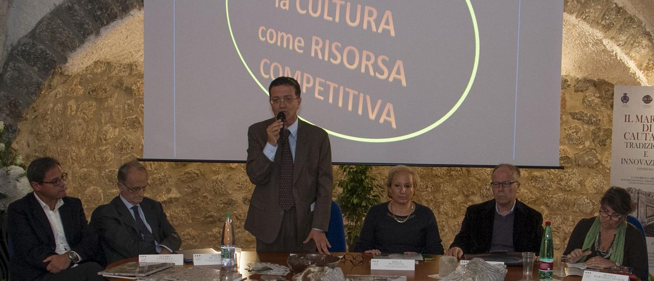Giuseppe FUGGI, Sindaco di Cautano, apre i lavori del Convegno